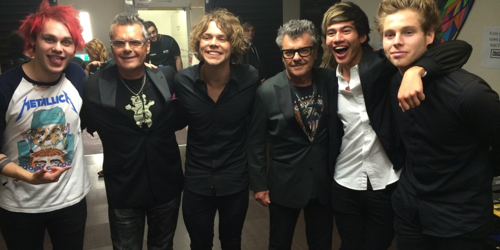 Tim and Jon Farriss backstage at the ARIAs with the boys from 5SOS